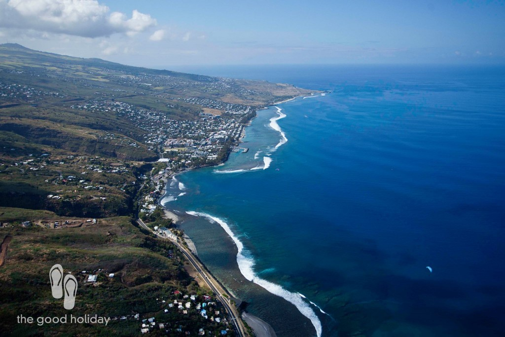 Viewing Reunion Island Paragliding